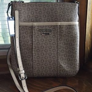 Crossbody bag from Guess nwt